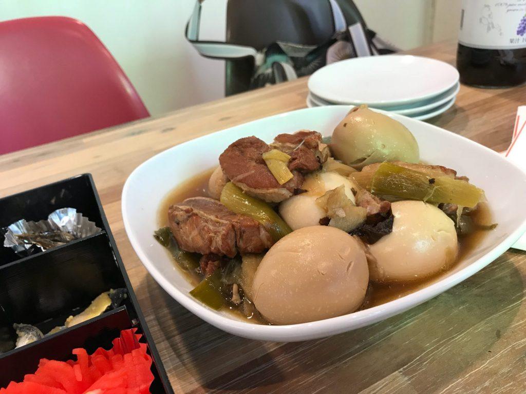 お肉と卵の煮物